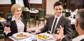 Därför ska du låta proffsen ta hand om företagets konferensresa utomlands | Bizbay