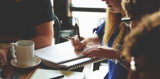Genom att gå ett program på en yrkeshögskola kan du förbättra dina chanser till jobb   BizBay