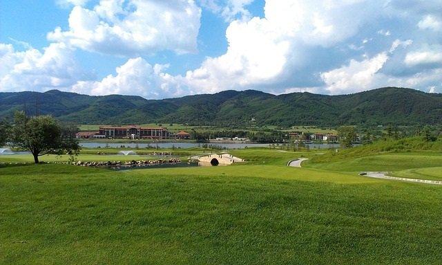 Bo bekvämt på ett longstay hotel och tillbringa dagarna med rolig golf på välskötta banor  bizbay