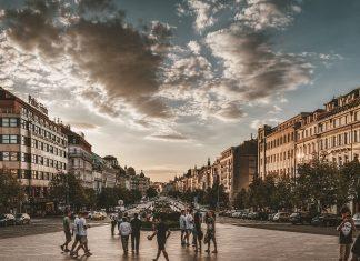 Prag-Wenceslas Square   Bizbay